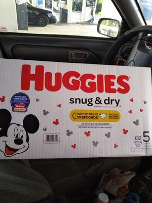 HUGGIES SIZE 5 for Sale in San Carlos, CA
