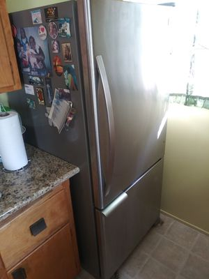 Kenmore fridge with bottom freezer (needs repair) for Sale in San Diego, CA