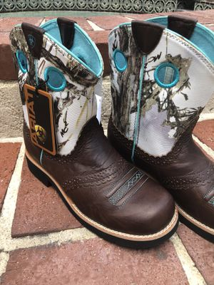 ARIAT 🤠 youth girls boots size 4 for Sale in Cocoa, FL