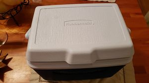 Rubbermaid cooler for Sale in San Francisco, CA