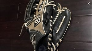 "Louisville Slugger OMAHA SELECT 11.5"" BASEBALL GLOVE throw right, for Sale in Severn, MD"