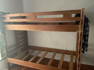 Wooden bunk bed 200$ obo pick up only no delivery for Sale in Wahneta, FL
