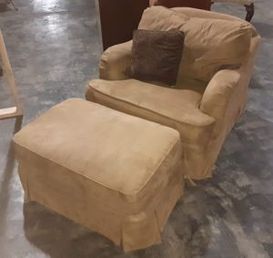 Like new chair with ottoman for Sale in Hensley, AR
