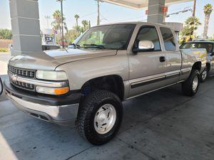 2002 Chevrolet silverado for Sale in Los Angeles, CA
