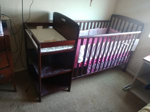 Baby Crib with attached changing table for Sale in San Tan Valley, AZ