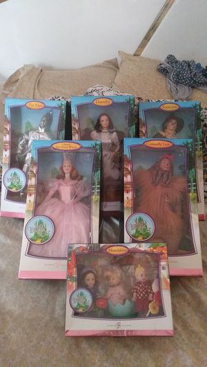 Collectable wizard of oz barbies unopened for Sale in New Brunswick, NJ