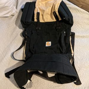 Ergo Baby Carrier With Infant Insert for Sale in Sharon, MA