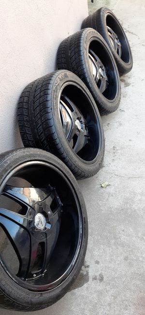 22 inch rims, 5 lug, were on ford edge for Sale in Rialto, CA