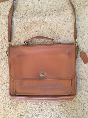 COACH TAN LEATHER BRIEFCASE LAPTOP CROSSBODY MESSENGER BAG 5181 for Sale in Bayport, NY