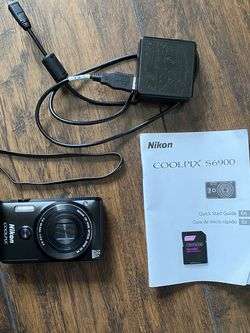 Nikon COOLPIX S6900 for Sale in Corona,  CA