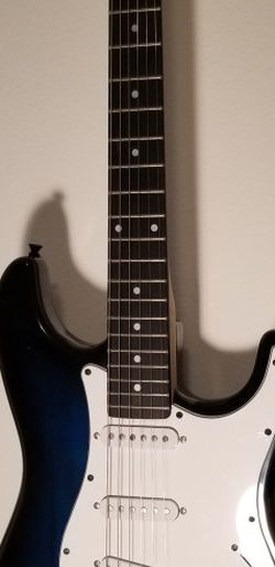 Lyx Pro Guitar NEW for Sale in Bonney Lake,  WA