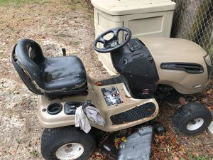 Craftsman lawnmower for Sale in Tampa, FL