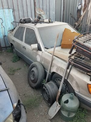 Mercedes Benz 300e parts car for Sale in Los Angeles, CA