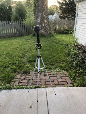 Tripod for sale for Sale in Riverdale, IA