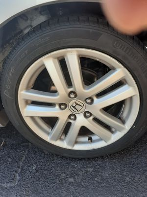 17in honda rims 205 50 17 tire all good conditions for Sale in Hialeah, FL