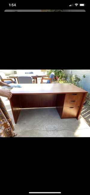 Office Desk 60 by 30 inch, with 3 drawers and key for lock for Sale in San Bernardino, CA