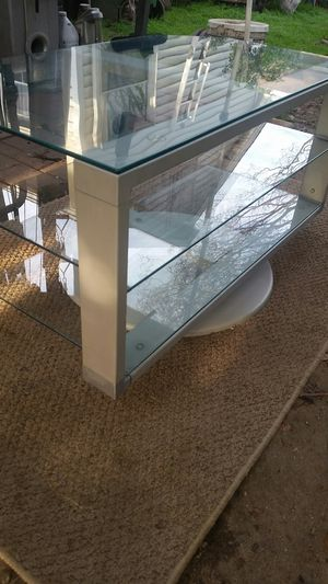 GLASS TOP STAND for Sale in Arcadia, CA