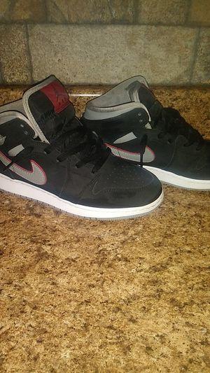 Jordan 1 mid black partical grey gym red for Sale in Wichita, KS