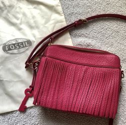 Fossil Sydney Fringe Pomegranate Pink Crossbody for Sale in Centreville,  VA