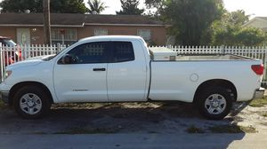 Toyota Tundra SR5 5.7 for Sale in West Palm Beach, FL