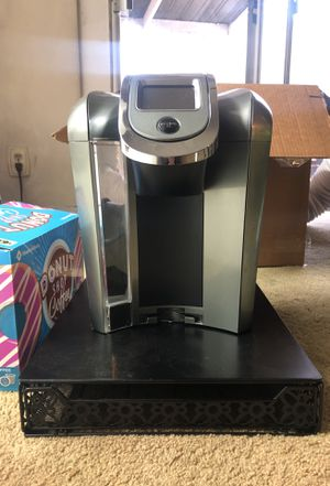 Keurig plus box of coffee pods and stand / pod holder for Sale in Los Angeles, CA