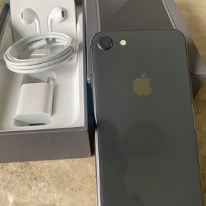iPhone 8 -256gb Unlocked For Any Carriers (Liberado para Cualquier Compania ) for Sale in Rosemead, CA