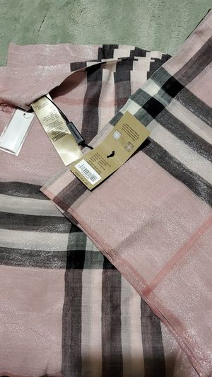 Scarf burberry for Sale in Hayward, CA
