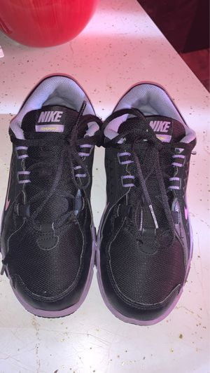 Nike shoes training size 3y for Sale in Hemet, CA