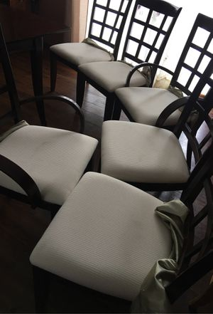 Dining table set and chinero for Sale in Elgin, IL