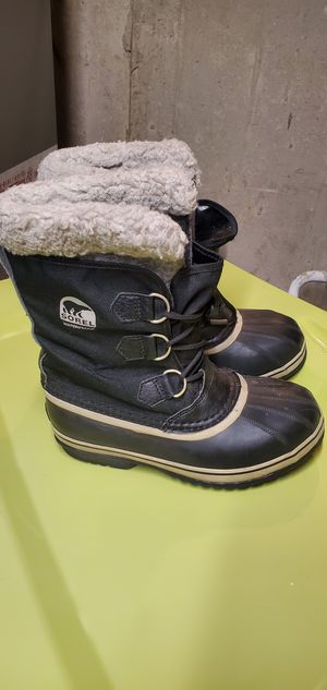 Kids Sorel snow boots size 5 for Sale in Naperville, IL