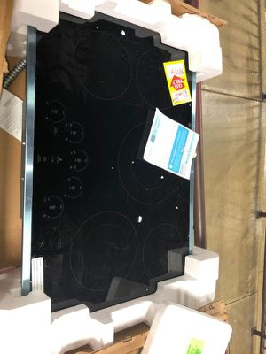 Brand New GE Electric Cooktop (Model:PP9030SJSS) Y6Y for Sale in Burbank, CA