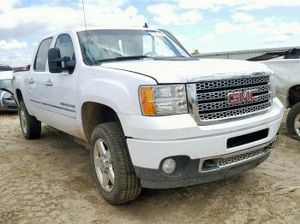 PARTING OUT A 2007 - 2010 CHEVY SILVERADO 2500 6.0L 6.0 ENGINE TRANSMISSION PARTS for Sale in Los Angeles, CA