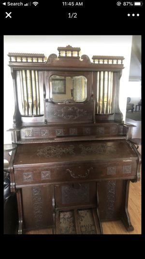 ANTIQUE PIANO for Sale in Riverside, CA