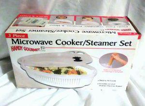 NEW Handy Gourmet 3 Piece Microwave Cooker Steamer Set - Includes Lid & Strainer / Steamer Basket # JB4381 for Sale in Largo, FL
