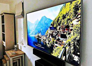 LG 60UF770V Smart TV for Sale in Lansing, MI