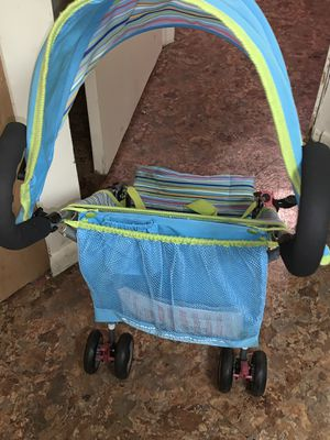 Babies R' Us Deluxe Umbrella Stroller for Sale in Rockville, MD