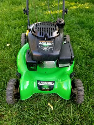 """Lawn-Boy 20"""" Self-Propelled Lawn Mower for Sale in Hillcrest Heights, MD"""