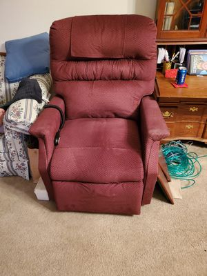 Left chair for Sale in Fort Wayne, IN