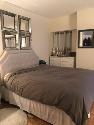 Queen Upholstered Headboard & Boxspring for Sale in New York, NY