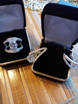 Solid silver set... Sz 11 vintage.. like new for Sale in Meriden, CT