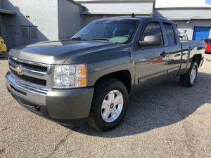 2011 Chevy Silverado for Sale in Columbus, OH