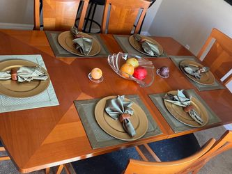 Dinning Table for Sale in Edgewood,  FL
