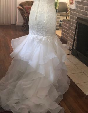David's Bridal Wedding dress size 8, was fitted to size 6 for Sale in Miami, FL