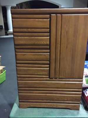 6 drawer dresser with a small 3 shelf cabinet for Sale in Gainesville, FL