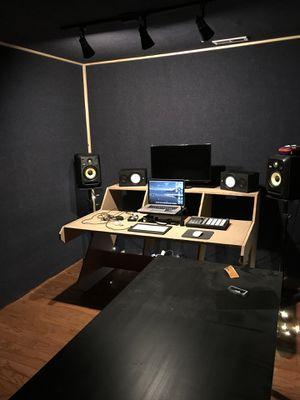 Studio Desk for Sale in Lansdowne, VA