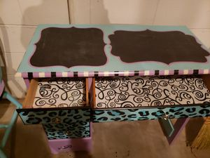 Kids desk and chair for Sale in Douglasville, GA
