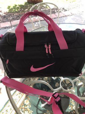 Brand new Nike duffle bag size medium for Sale in Phoenix, AZ