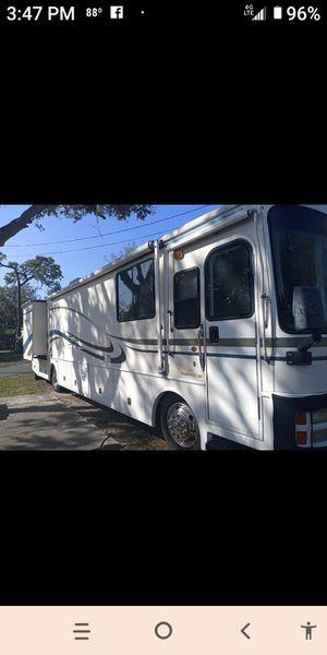 2000 Discovery Fleetwood Cummings Diesel Pusher for Sale in Sebastian, FL