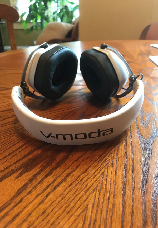 V-Moda Crossfade II Wireless Bluetooth headphobes