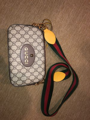 Authentic Gucci Supreme purse for Sale in Beverly Hills, CA